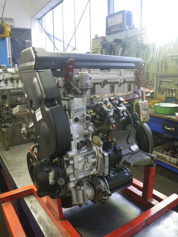 new engineblock Fiat Ducato 230 type 8040.67 F 2000, with cylind